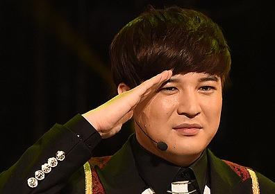 """SM 측 """"신동, 허리 디스크로 군입대 25일→내년 초로 연기"""""""