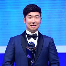 '신인왕' 신재영, 1억1000만원 '억대 연봉 돌파'