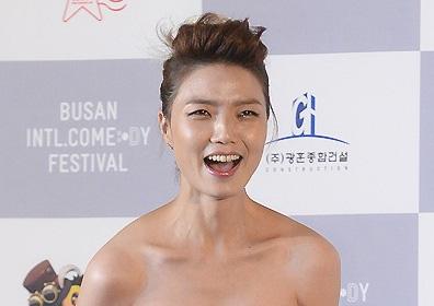 안영미, 류수영♥박하선 부케 받았다