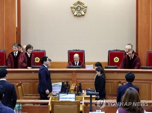 박 대통령, 탄핵 공방서 `삼성합병·기업출연` 뇌물혐의 전면 부인