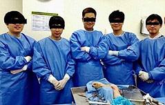 `해부용 시신 인증샷`<br> 의사들 과태료 부과