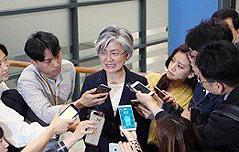 강경화, `北 도발엔 <br>제재강화` 소신 밝혀