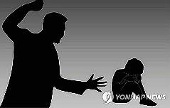 제자 수차례 폭행한 <br>50대男 담임교사 입건