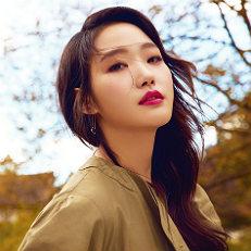 김고은, 고혹적인 가을 여인