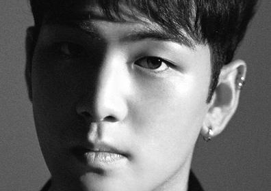 뉴이스트 W 백호, 개인 티저 공개…흑백 이미지 속 '훈남의 정석'