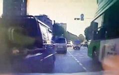 교통법규 위반한 차량 <br>`쾅`…억대보험금타내