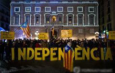 """스페인 """"자치권몰수"""" <br>카탈루냐 """"독립선언"""""""