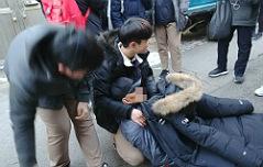 쓰러진 노인 응급조치 <br>중학생들 선행상 수여