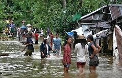 태풍 덮친 필리핀, 韓 <br>관광객 400명 발묶여