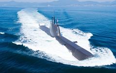 1천800t잠수함 해군에 <br>인도…5월 실전배치