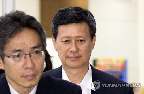 """[판결] """"롯데 신동주 이사해임 정당"""" 법원, 8억대 손배청구 기각"""