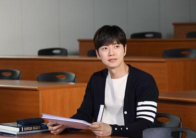 '치즈인더트랩' 박해진, 심쿵 유발 캐릭터 스틸 공개..
