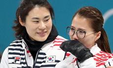 `팀킴` 맏언니에서 메달 지도자로…김민정 감독