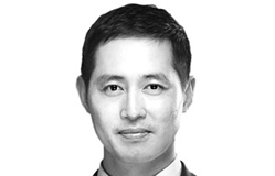 [전지성의 레이더L] 대법원장, 권한 내려놓기가 먼저