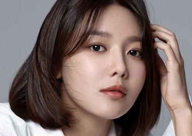최수영, 한일 합작 영화 '막다른 골목의 추억' 여주인..
