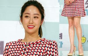 전혜빈 `봄에 어울리는 초미니 패션`