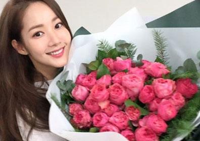 [M+★SNS] 박민영, 꽃보다 아름다운 자체발광 미모