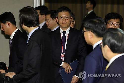 [판결] '靑 문건 유출' 정호성 전 비서관, 징역 1년 6월 확정