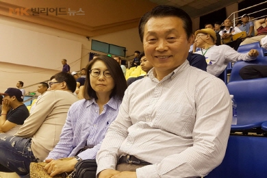 """""""당구 보러 호치민까지 왔지요"""" 조용덕‧이희경 부부"""