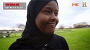 차별의 벽을 깨다! 히잡 쓴 최초의 여성 심판