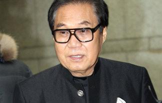 法, 조영남 대작 혐의 항소심서 무죄 선고