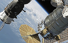 국제우주정거장 18년만에 `빈집` 되나
