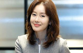 '만취' 김지수, 인터뷰 중단 후 전면 취소…무슨 일?