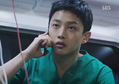 김민석, '흉부외과' 깜짝 출연…고수 떠올리게 만든 열혈 전공의