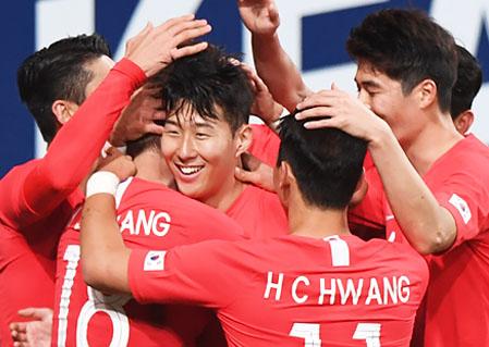손흥민, 올해를 빛낸 스포츠선수 2년 연속 1위