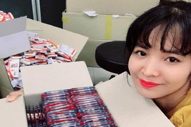 '亞3쿠션 퀸' 스롱피아비, 고국에 韓의약품 기부