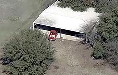 美텍사스서 개집 갇힌 영양실조 남매 발견