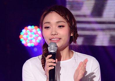 이진아♥신성진, 오늘(23일) 결혼…축가는 샘김·권진아 [M+이슈]