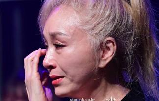 """박해미 """"1년 버티다 결국 눈물, 무대는 나에게 종교"""""""