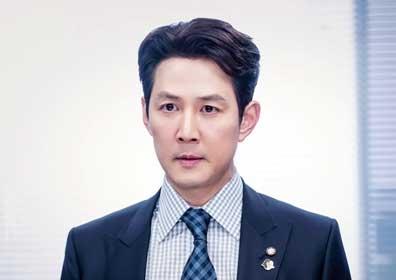 """'보좌관2' 이정재, 위험한 질주를 시작 """"발톱 숨기지.."""