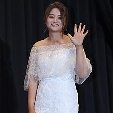 하얀 드레스 입은 최혜진