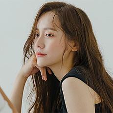 신예 박지현, 청순요정 등극