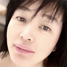 김혜수, 눈부신 민낯 공개