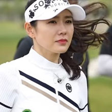 손예진, 골프 여신
