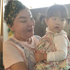 김수미, 손녀 안고 둥가둥가