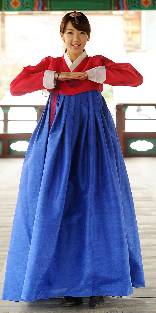 [110101/PICS]Rana @ Hanbok Shoot for StarToday Image_readtop_2011_404_1293836404359272