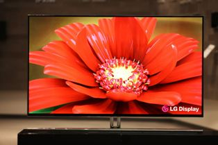 [LG Elec. to roll out 55-inch OLED TVs in May] ����� ���� �̹���