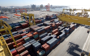 [S. Korea��s H1 exports stumble on slowdowns in Europe, China] ����� ���� �̹���