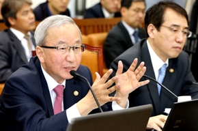[S. Korea economic growth estimated at 3 pct for H2, 4 pct for 2014: finance Minister ] ����� ���� �̹���