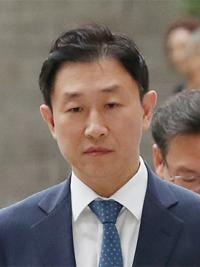 [판결] `스폰서 검사` 김형준 1심서 2년6월刑