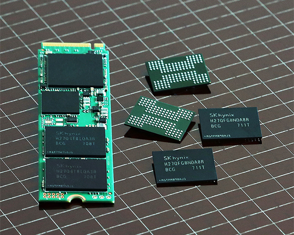 SK hynix develops world's first 72-layer NAND chip