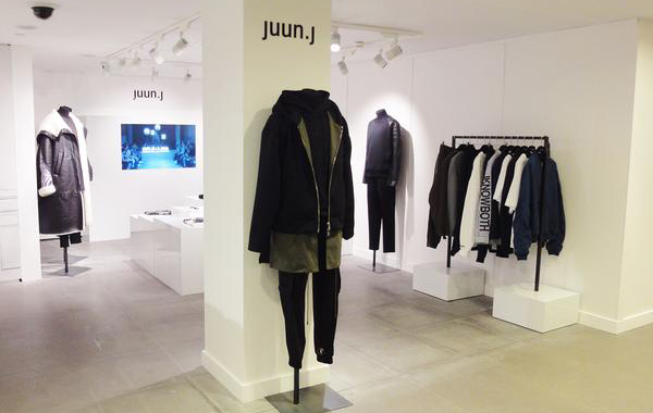 [Juun.J pop-up store in Harrods department store]