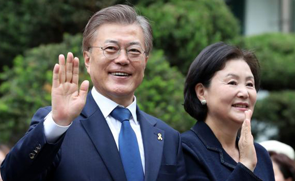 Moon Jae-in and his wife Kim Jung-sook