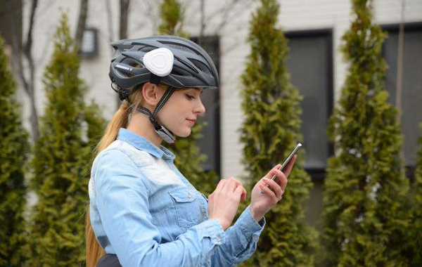 Ahead, a hands-free device for helmet [Photo by: Analogue Plus]