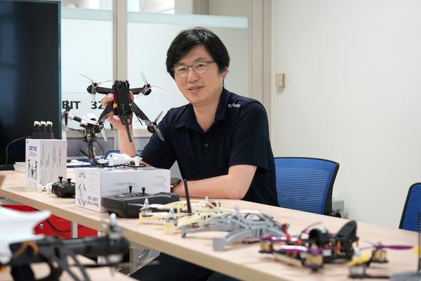 Lee Heung-shin, chief executive of Drogen