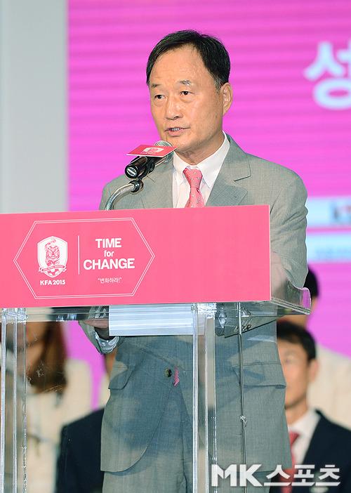 국정감사 시작에도 불참하는 김호곤의 '3불가론'
